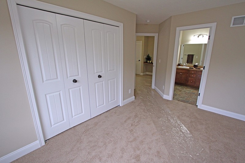 Bentwood 7-5-12 Interior MLS – 048