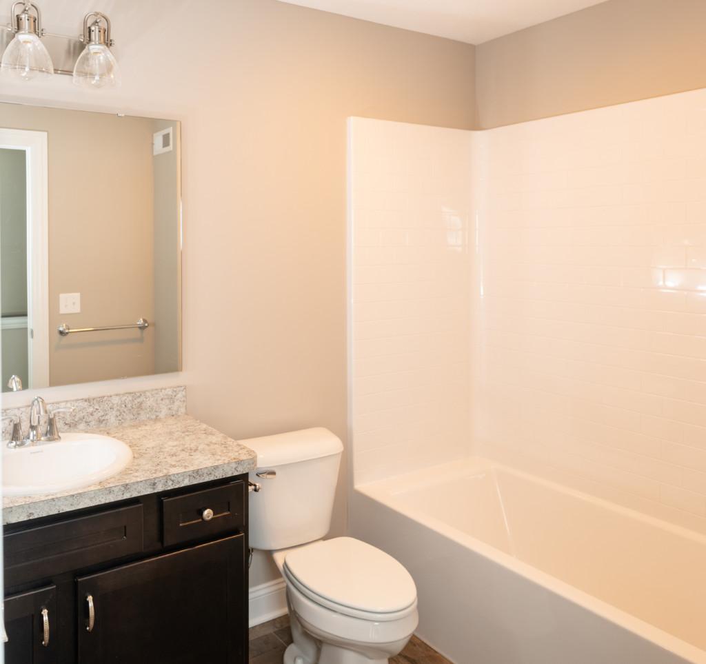 22-Full Bathroom