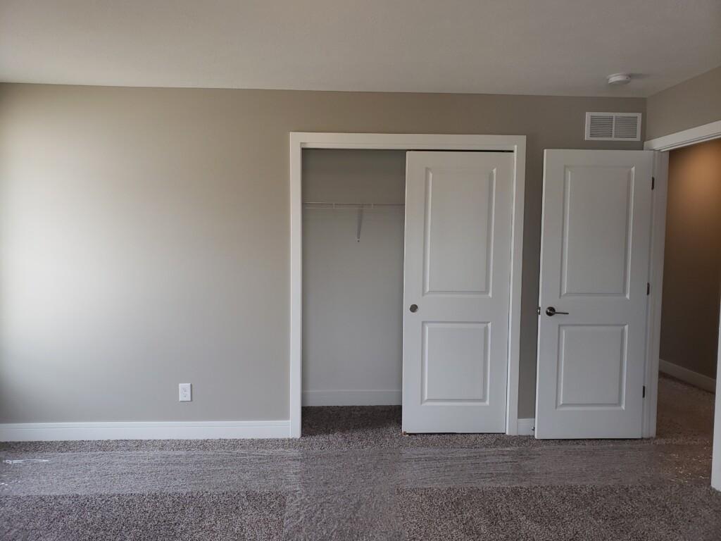 40 Bedroom2Closet